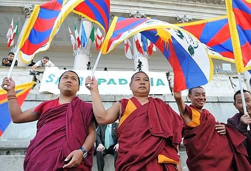 Tibetan monks in Padania