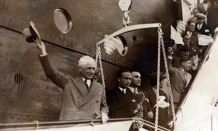 Jules Rimet arrives in Uruguay