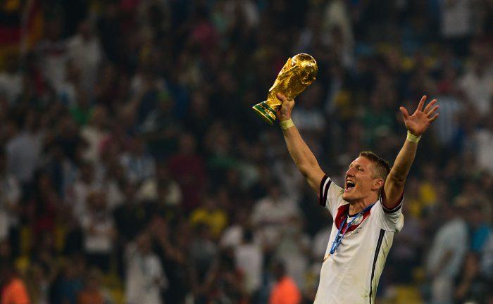 Bastian_Schweinsteiger_celebrates_at_the_2014_FIFA_World_Cup